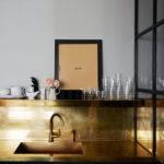 Crédences et façades de placard de cuisine en laiton