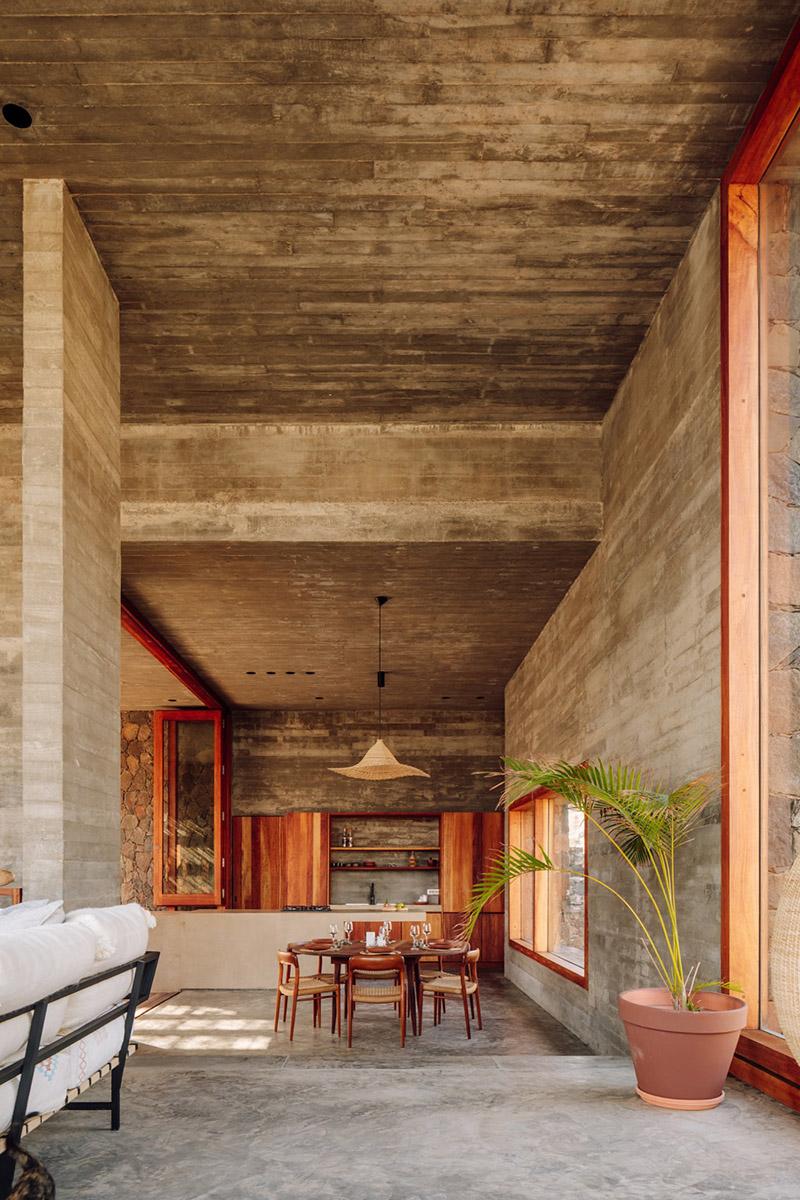 Architecture de pierre et de béton au Cap-Vert // Barefoot Villas par Polo Architects & Going East // Intérieur brutaliste en béton et pierre, minimaliste