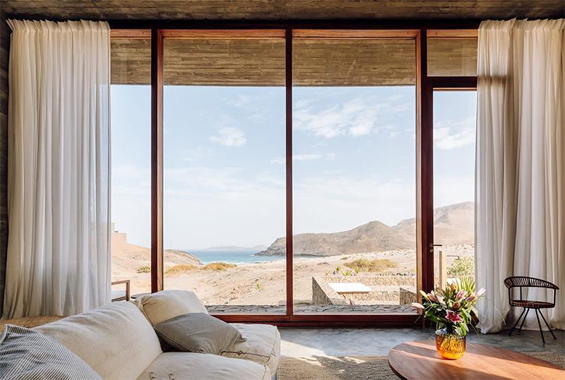 Architecture de pierre et de béton au Cap-Vert // Complexe immobilier et touristique Barefoot Villas par Polo Architects & Going East