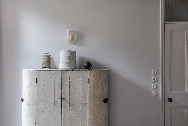 """Un intérieur """"classique"""" revisité en blanc par Faye Toogood // Objets chinés et pièces d'artisanat"""