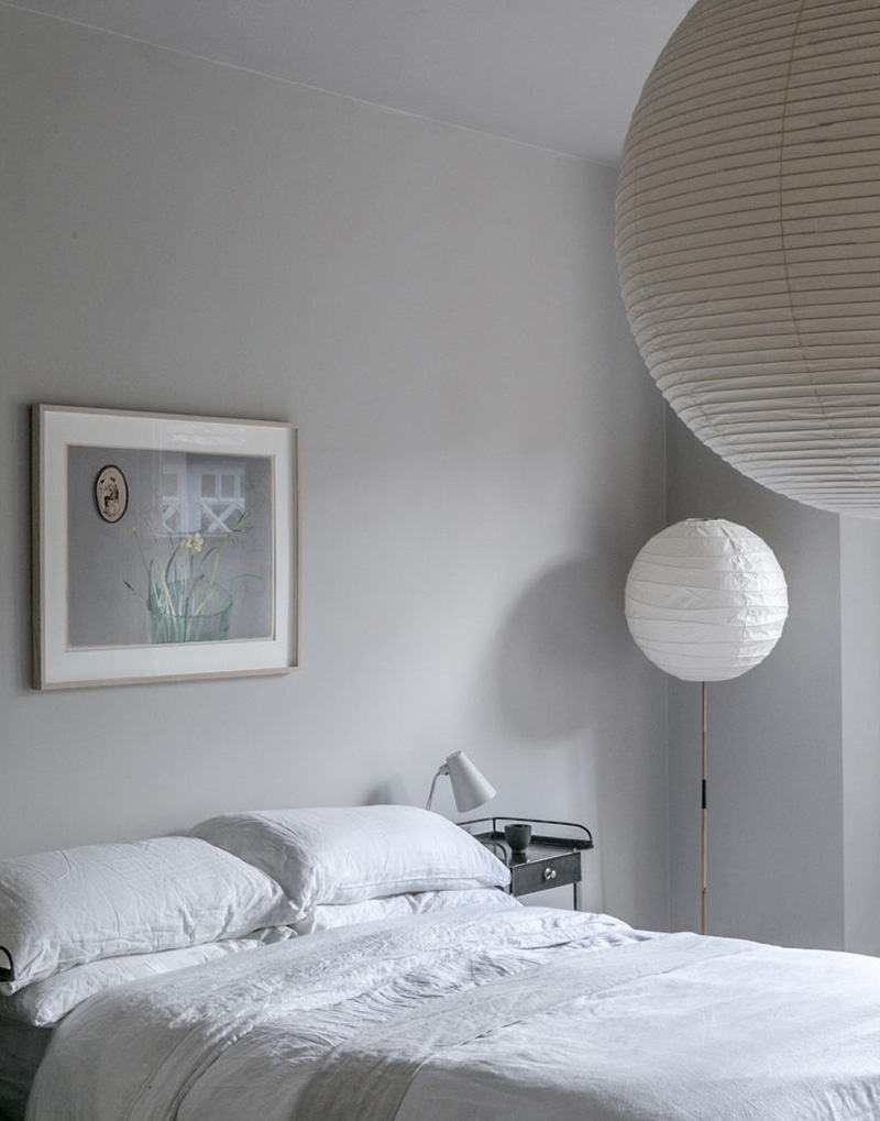 """Un intérieur """"classique"""" revisité en blanc par Faye Toogood // Chambre zen en blanc laiteux"""