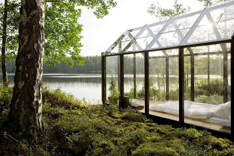 Aménager une serre comme pièce en plus au jardin // Conception : avan.to pour Jardin de Kekkilä - Une serre transformée en chambre le temps d'une nuit