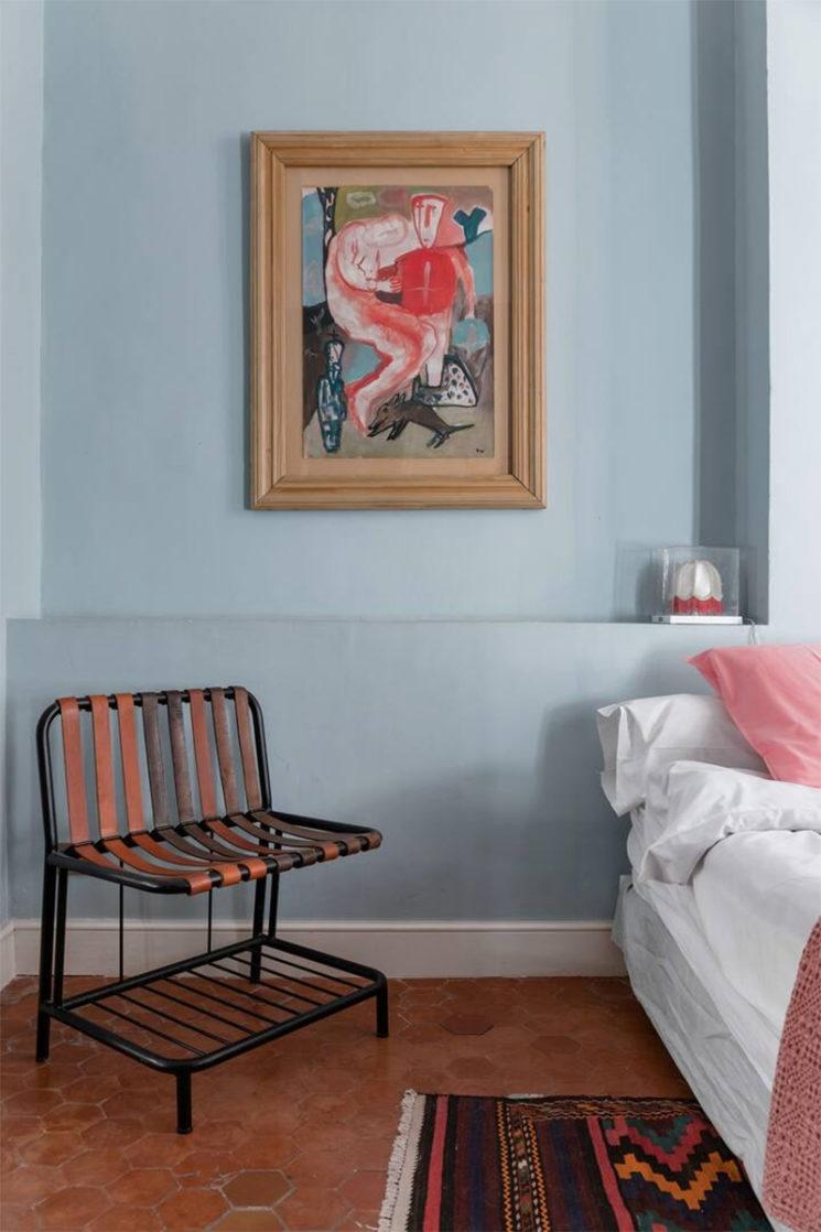 Maison d'hôtes située à Arles, chambre au style provincial modernisé
