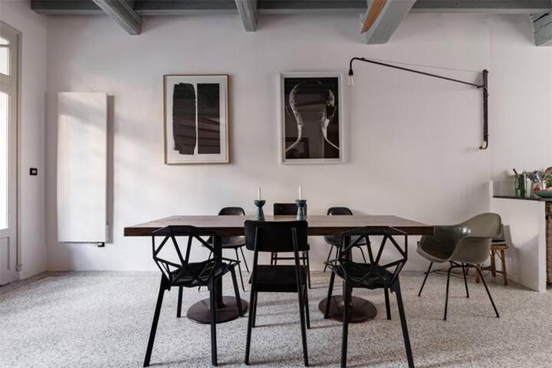 Découvrez cette maison d'hôtes située à Arles, plein de charme, mélange de style vintage et provincial