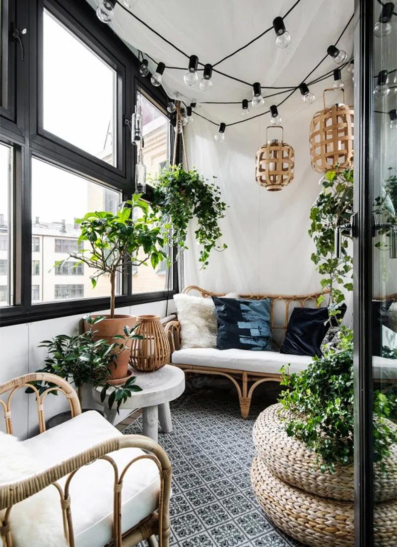 Aménager un jardin d'hiver dans sa véranda // Un balcon fermé aménagé en jardin d'hiver, folk et bohème