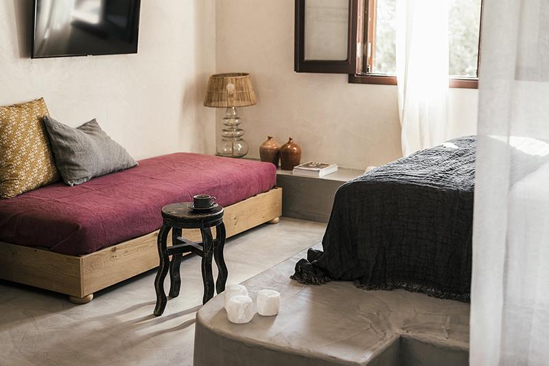 L'Hôtel Casita Casita à Lindos, une ambiance bohème // La banquette lit de chambre
