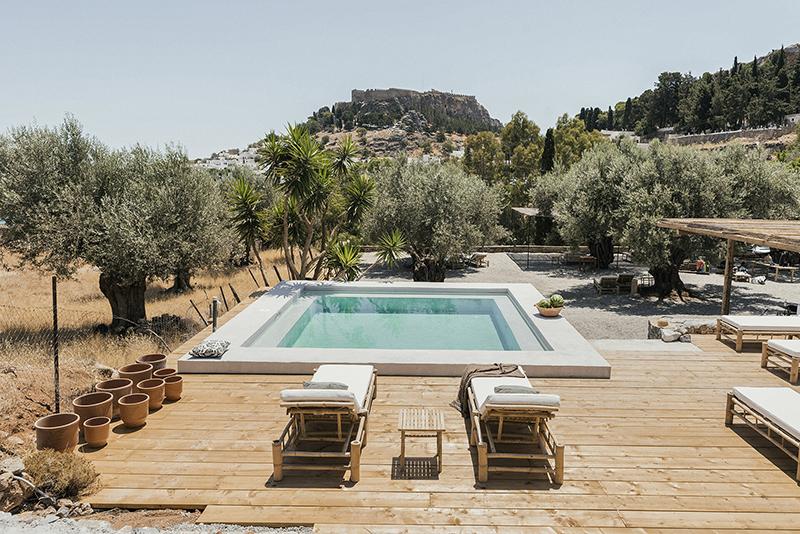 L'Hôtel Casita Casita à Lindos // Une piscine au milieu de la garrigue