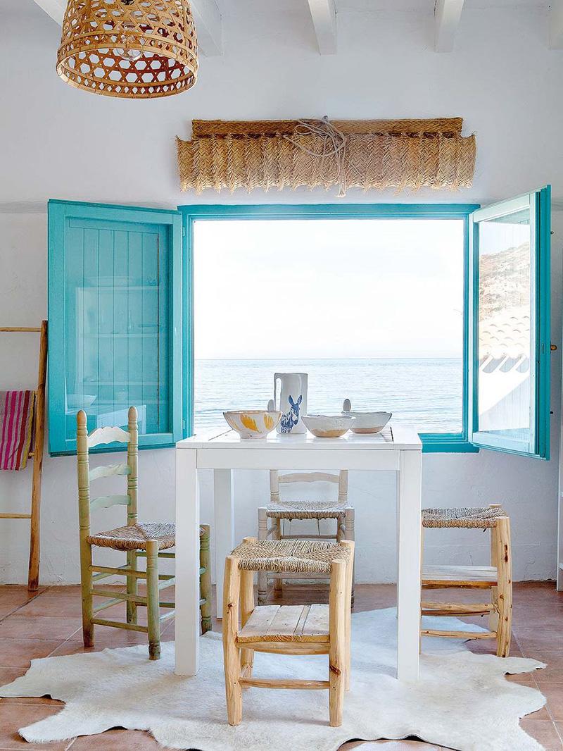 Une maison de pêcheur, rénovée par Jessica Bataille à Alicante // Ambiance bord de mer, en mode ethnique et bohème