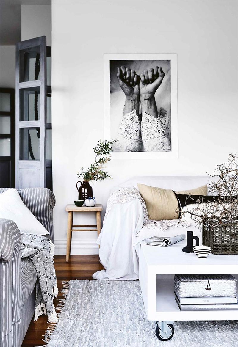 Adopter la fouta en décoration, en plaid à mettre sur un canapé pour une ambiance bohème scandinave ethnique de bord de mer