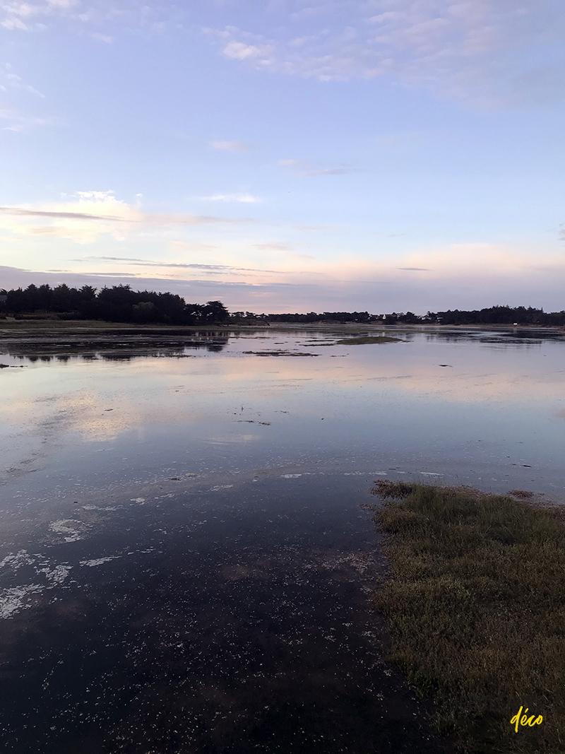 La lagune de Sables-d'Or-Les-Pins, cote d'Armor