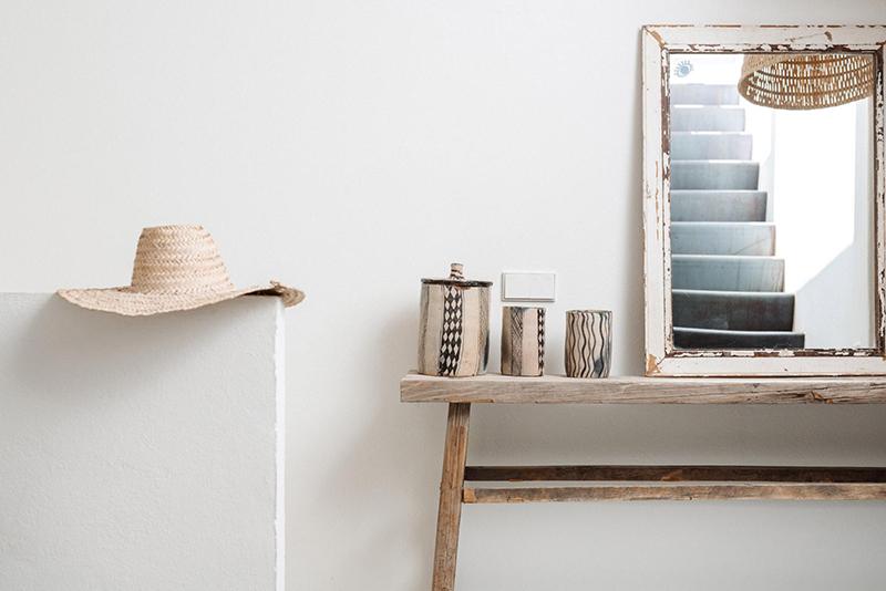 Un petit duplex à Ibiza à acheter... Une déco méditerranéenne à l'ambiance minimaliste et bohème