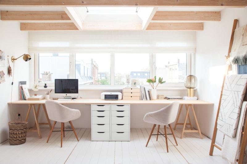 Aménager un bureau intelligent avec des éléments de la grande distribution et des planches // avenuelifestyle.com