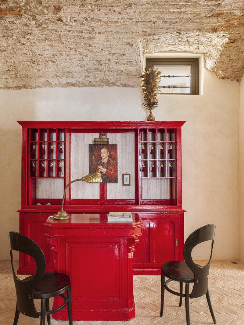 Hôtel La Bionda par le duo de décorateurs Quintana Partners à Begur, Espagne // Style brocante chic