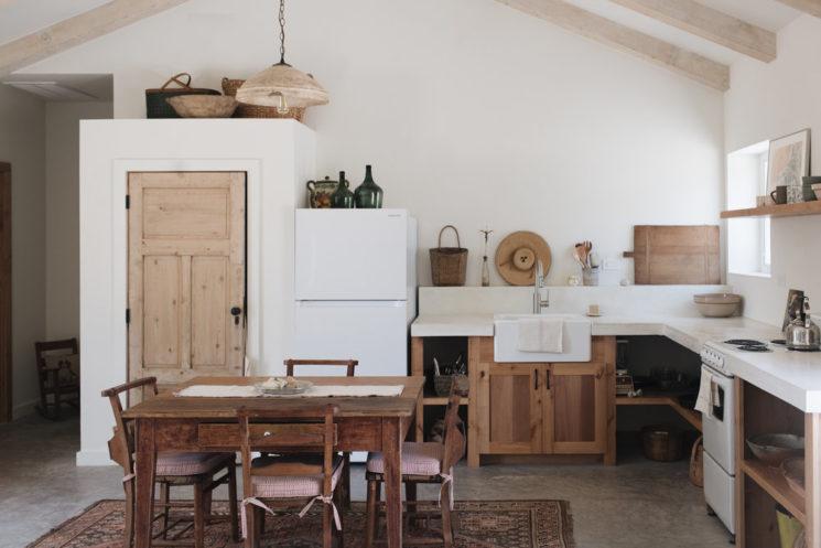 Vers un intérieur plus minimaliste // Intérieur slow méditerranéen de la photographe Kate Zimmerman Turpin