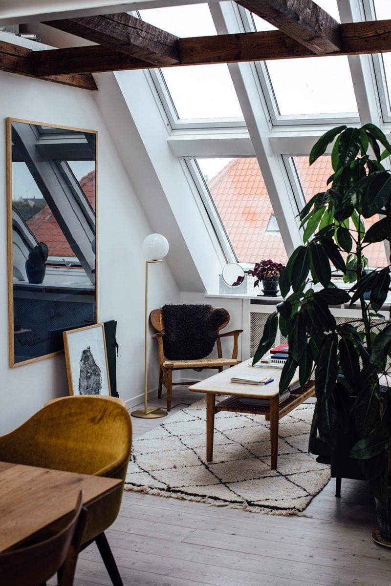 L'appartement de Line Borella à Copenhague, aménagé dans des combles par ourfoodstories