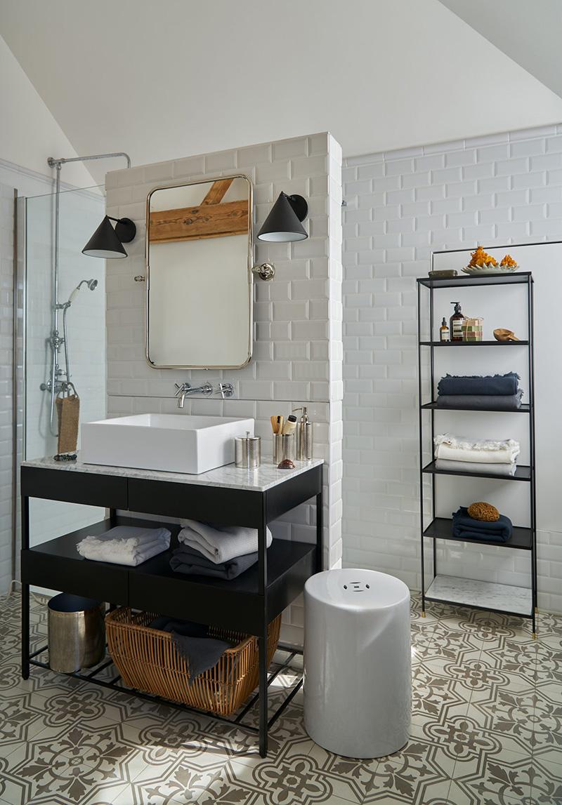 Nouvelle collection Automne Hiver 2020, Am.Pm // Console de salle de bain, en marbre blanc, Limpos - 1129 €