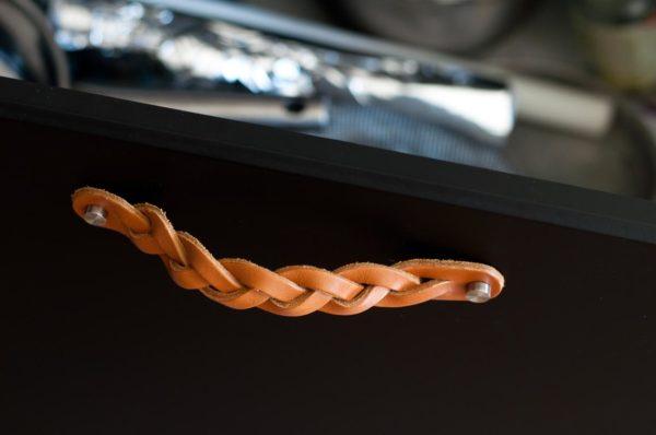 Poignée de tiroir en cuir tressé,nautiloHomeDecor, à partir de 11,40 €.