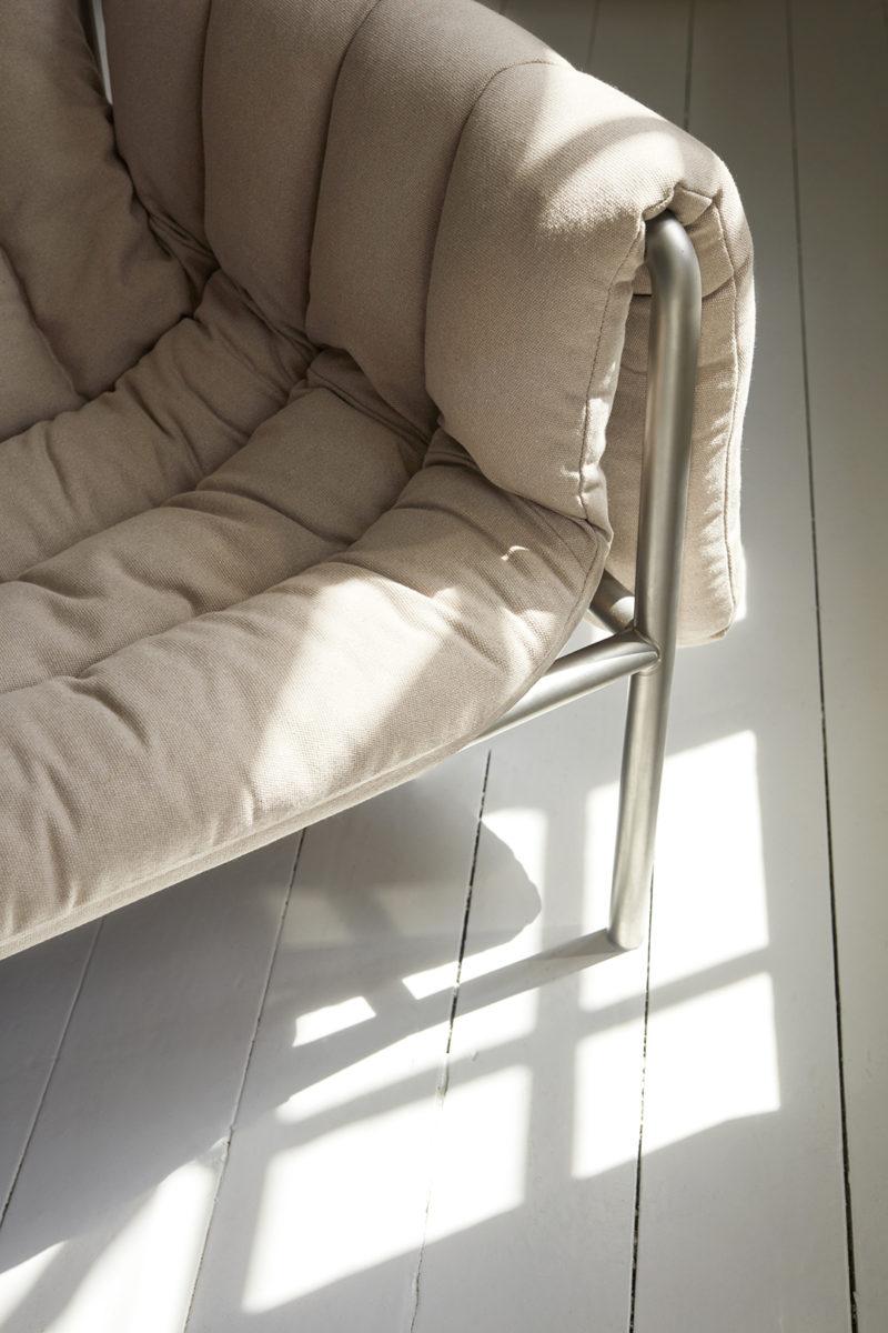 Puffy Lounge Chair de Faye Toogood pour la marque suédoise Hem