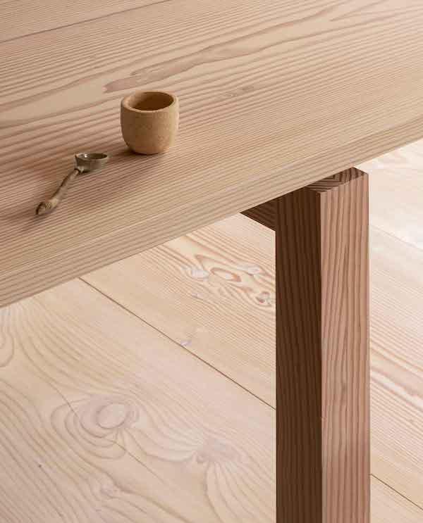 Collection Dinesen - 2020 / Assemblage de meuble, inspiré du séchage du bois.