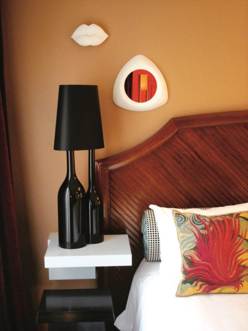 Ambiance vintage seventies pour cette chambre de l'hôtel Jules Paris 9 - Architecte d'intérieur Tristan Auer
