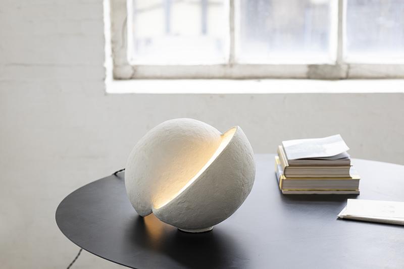 Lampe de table en papier mâché, Serax, design Marie Michielssen