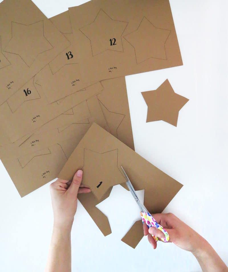Calendrier de l'avent DIY en forme d'étoiles à retrouver sur ohohdeco.com