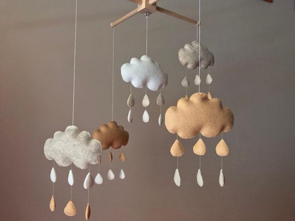 """Mobile """"nuages"""" en feutrine - Boutique Etsy ByInna Decor Shop"""