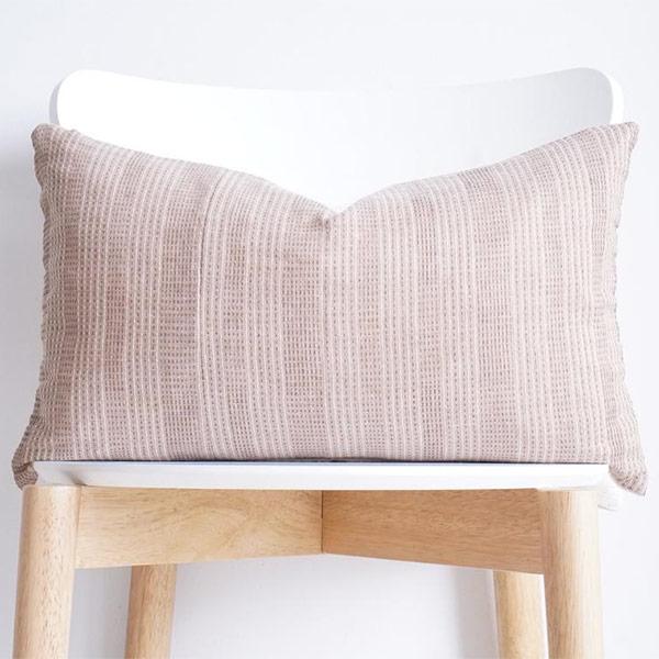 Coussin en tissu Hmong - Boutique Etsy Luv Textiles