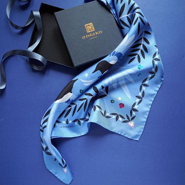 Foulard carré twill de soie bleu vif - Boutique Etsy Le chale bleu