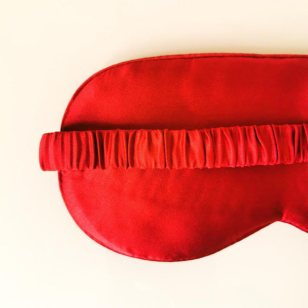 Masque en soie rouge - Boutique Etsy PariShanghai