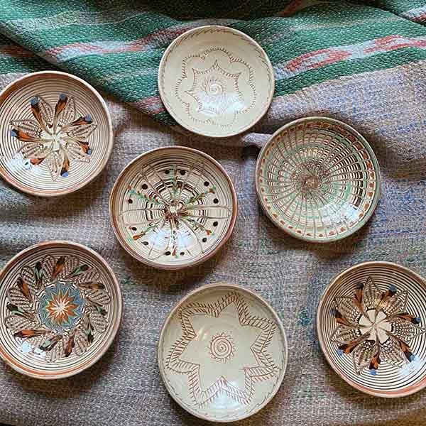 les-news_les-petits-bohemes_assiettes-en-ceramique-roumaine