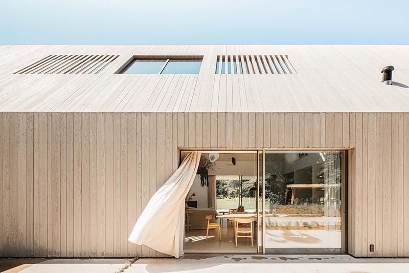 The Dune house comme une grange contemporaine
