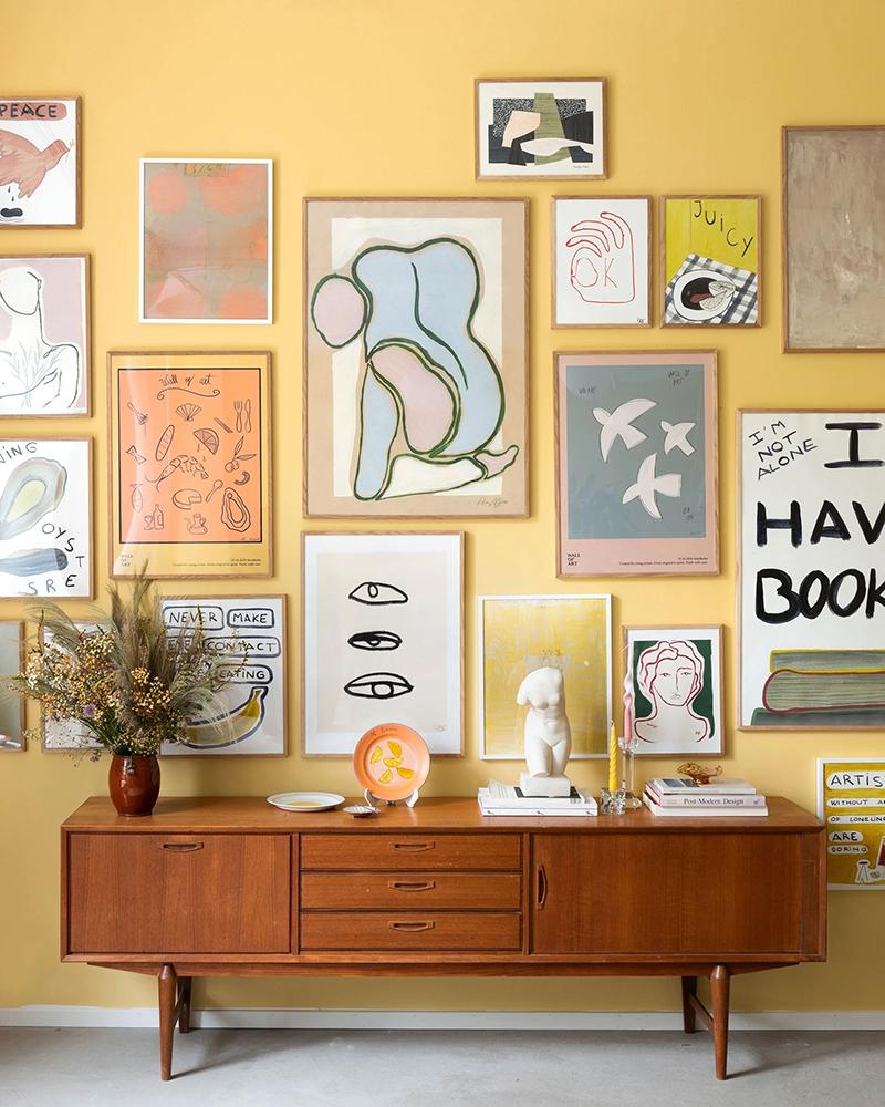 Wall of art - Inspiration Mur de cadres ludiques sur fond pastel