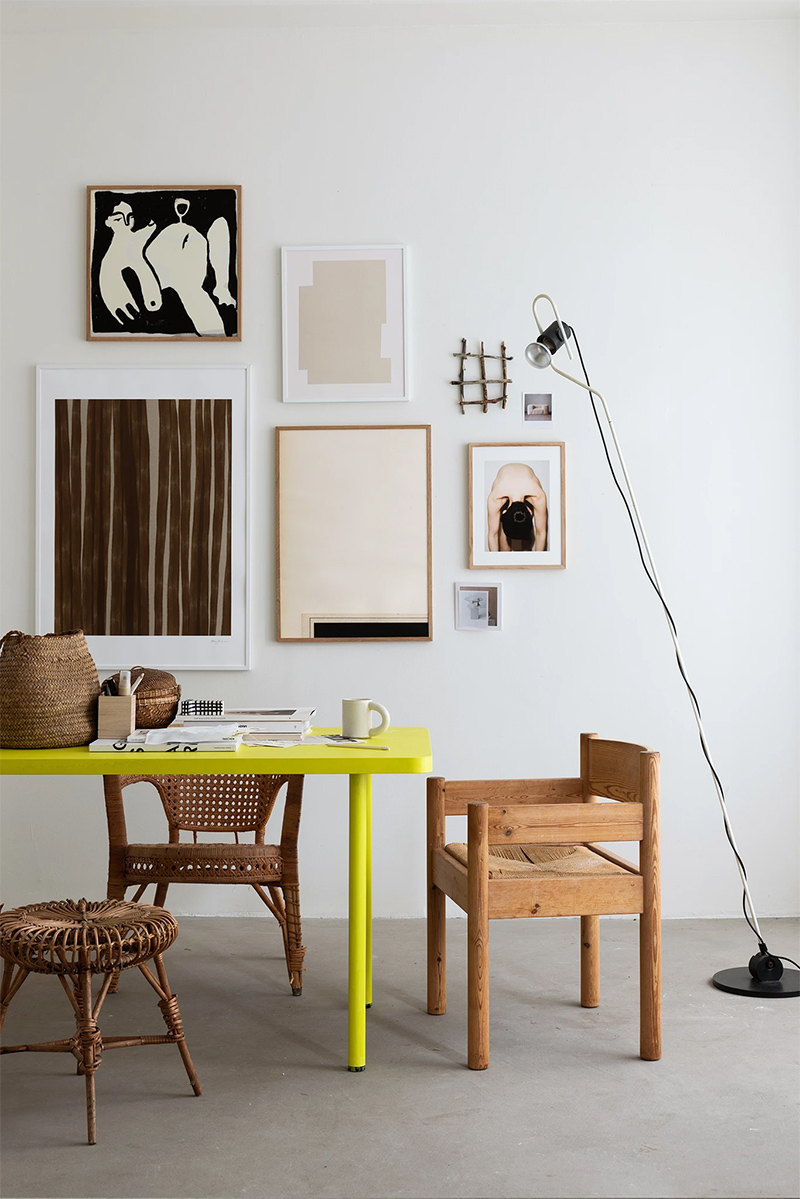 Wall of Art - Inspiration In season contrast in a fun way