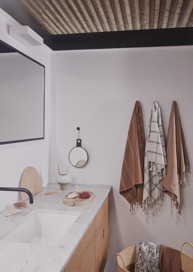 Ambiance vintage slow pour le catalogue OYOY AW2020 // Salle de bains