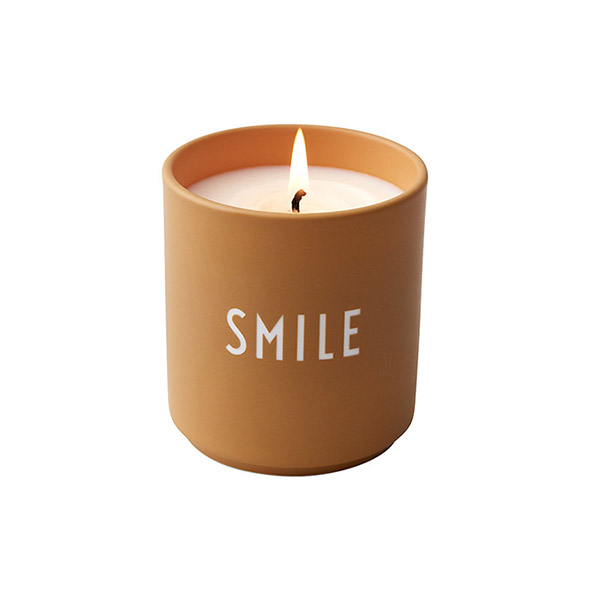 Bougie parfumée à l'orange, Smile - Designer Letters - 39 €