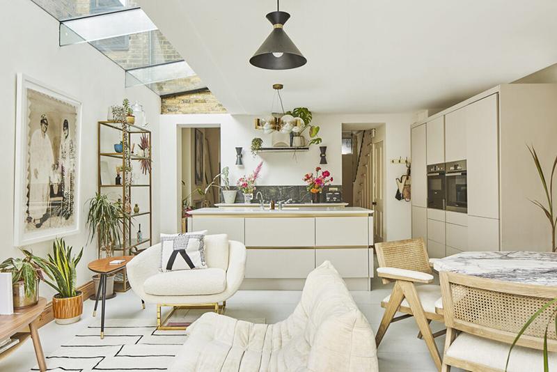[ 3 décors imparfaits en blanc cassé et matériaux brut ] Une maison victorienne dans les tonalités beiges