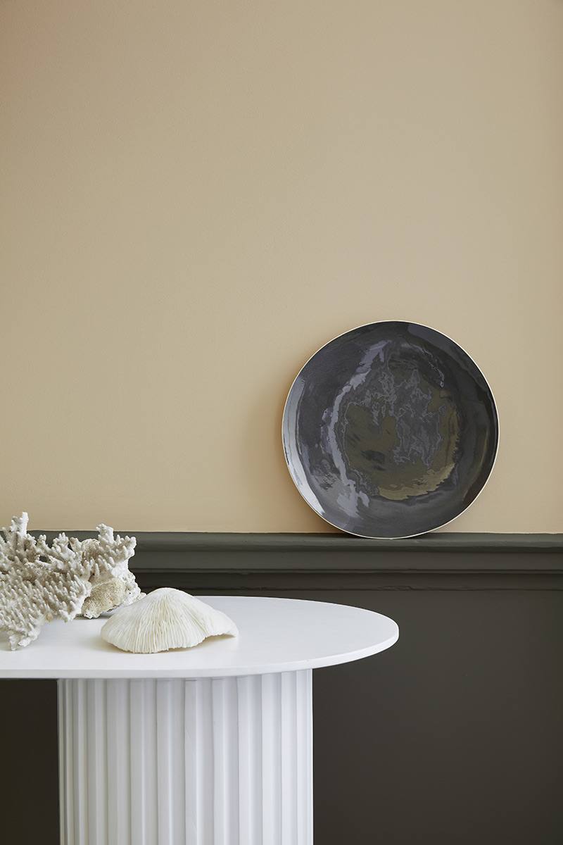 Stone de Little Greene, nouvelle palette de neutres // ©Little Greene 2020 // Teintes : Sculley 318 - Clay 39 - Mid 153
