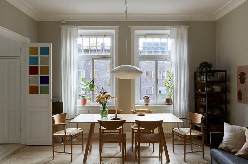 Un appartement ancien à Stockholm, plein de charme - Coin salle à manger
