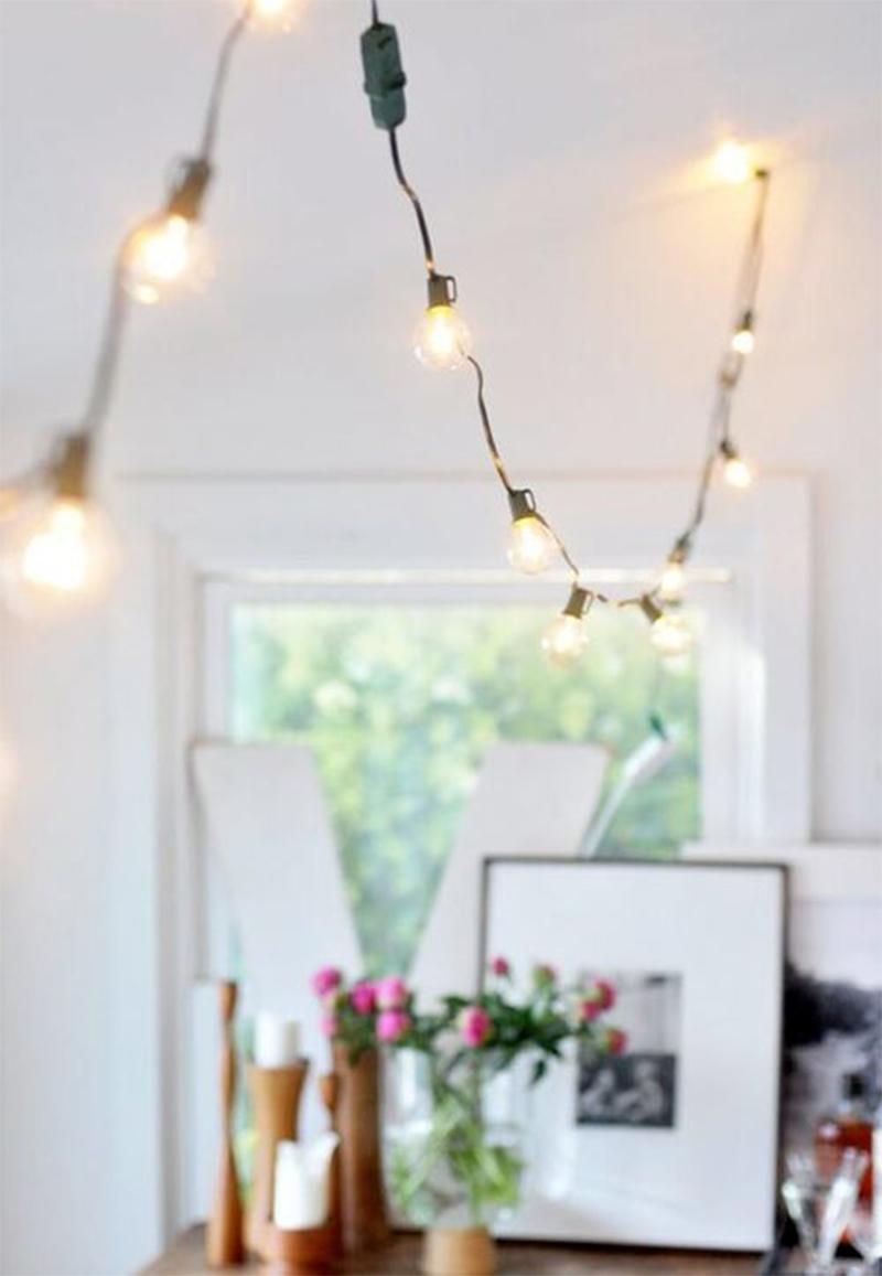 Adoptez la guirlande lumineuse guinguette en déco ! Retrouvez plein d'exemples sur Turbulences Déco