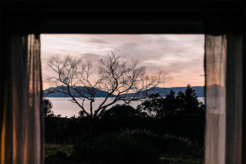 The Burrows, une chambre d'hôtes en Tasmanie // Une vue incroyable sur le paysage marin environnant