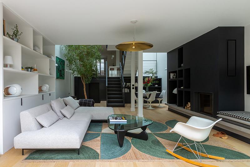 Aboutir l'aménagement d'une extension par Camille Hermand // Projet Suresnes, 2020 - Rénovation partielle d'une maison de 160m²