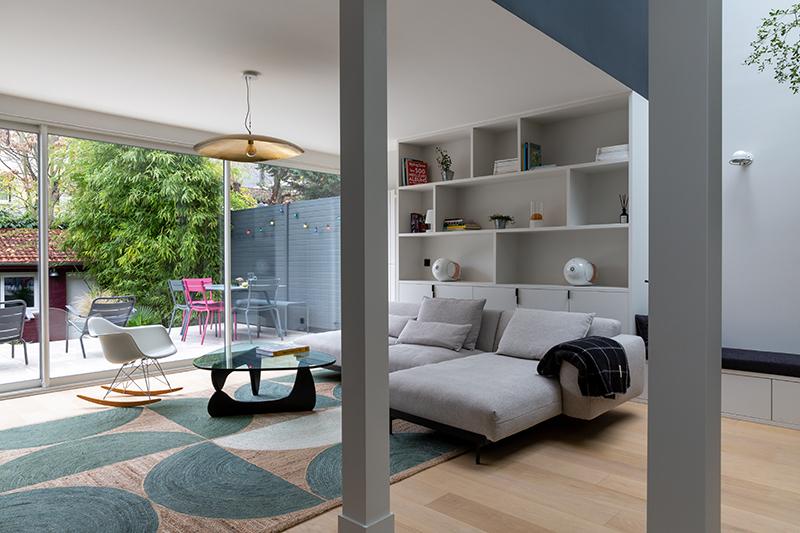 Une extension ouverte sur le jardin // Camille Hermand Projet Suresnes, 2020 - Rénovation partielle d'une maison de 160m²