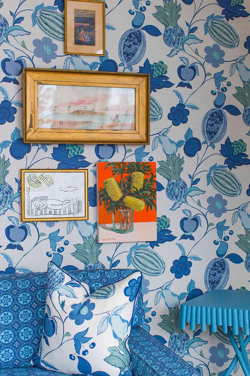 Halcyon House, boutique hôtel - Accrocher des cadres sur le papier-peint crée toujours quelque chose d'intéressant