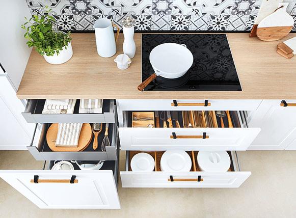 Bien implanter sa cuisine en fonction de sa configuration // Zone de rangement