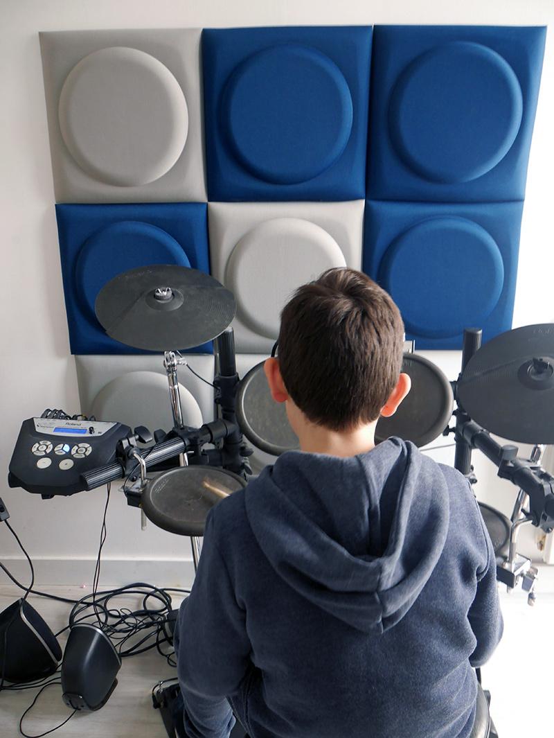 J'ai testé les dalles acoustiques murales design Kälm pour réduire les nuisances sonores intérieures