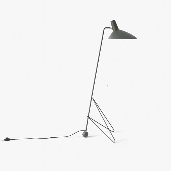 Lampadaire en métal, Tripod, design : par Hvidt & Mølgaard pour & Tradition