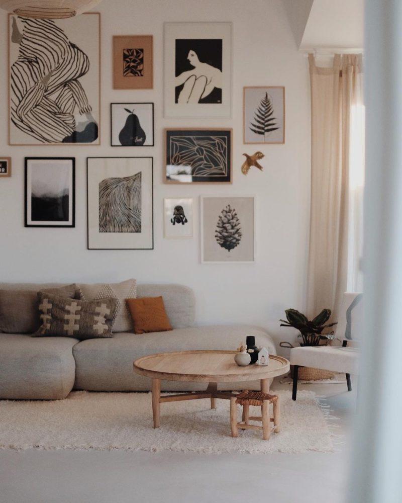 avoir un intérieur stylé comme une pro // salon d'@anneeeck dans les tons neutres avec un mur de cadres