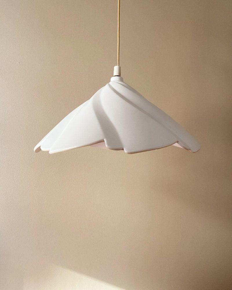Pour un intérieur stylé, offrez-vous un beau luminaire design ! // @londogmussehuset