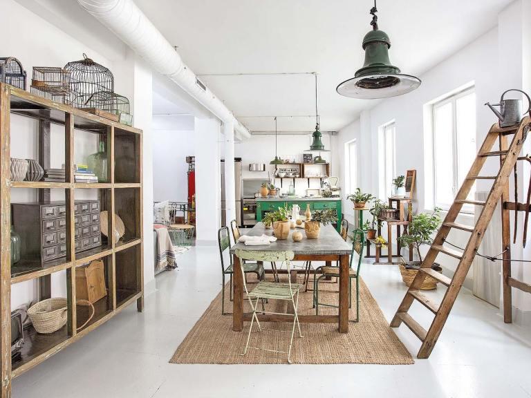 Une chambre d'hôtes à Barcelone, au style brocante de bric et de broc